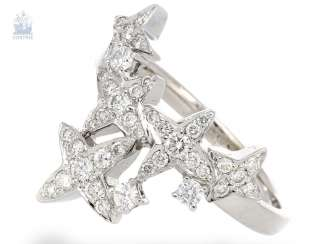 Ring: playful, individual ladies ring with star motif, modern and crafted from 18K white gold