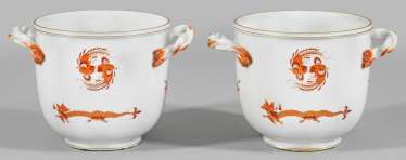 "Pair of cachepots with ""Rich Dragon"" decor"