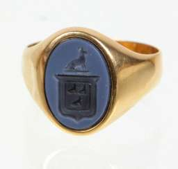antique coat of arms ring - yellow gold 585