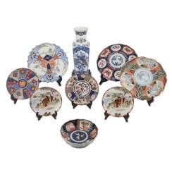 Group of Export porcelains: 9 parts of CHINA and JAPAN, 19.-20. Century.
