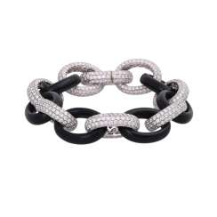 Bracelet brillantbes. Oval links, with brilliant-cut diamonds, together approx. 10ct,