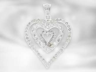 Pendant: as good as new, white gold, large and very decorative diamond pendant in heart shape, approx. 2.75 ct