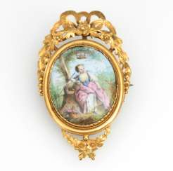 Locket brooch with miniature 19. Century.