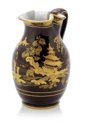 Jug with chinoiserie decor