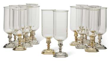 A SET OF SIXTEEN ITALIAN SILVER-PLATED AND GLASS PHOTOPHORES