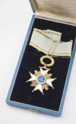 Latvia : order of the three stars 1. Model (1924-1940), Comtur cross, in a case.
