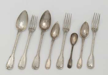 15 pieces of cutlery. Late 19th century / early 20th century