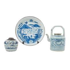 Bundle: 3 parts blue-and-white porcelain. ASIA.