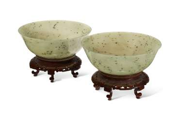 A PAIR OF CHINESE SPINACH GREEN JADE BOWLS