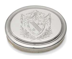 A GEORGE I SILVER TOBACCO BOX AND COVER