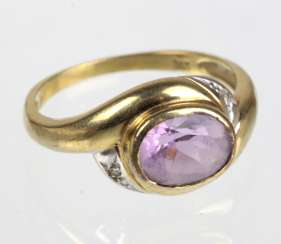 Amethyst Ring with diamonds - yellow gold 333
