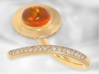 Ring: modern and exceptional Designer-wrought gold ring with a beautiful fire opal and brilliant-cut diamonds, handmade, 18K Gold