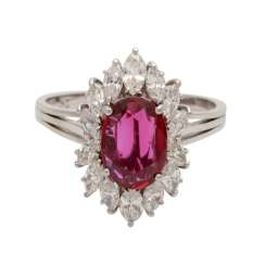 Ladies ring with 1 oval faceted ruby