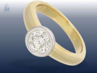 Ring: vintage and classic solitaire/diamond ring, 1,05 ct, solid gold, wrought work