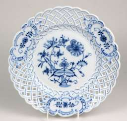 *Onion Pattern* Breakthrough Plate Teichert Meissen