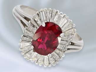 Ring: very high-quality, 18K white Golden vintage ruby/diamond gold wrought ring with a fine ruby approx 1.8 ct