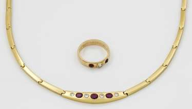Classic ruby necklace with band ring