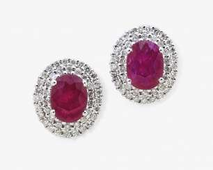 Classic entourage stud earrings with rubies and diamonds, Italy