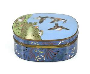 Cloisonné lidded box with multicoloured decoration of birds