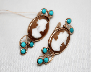Earrings cameo with turquoise