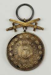 Hohenzollern: Princely Hohenzollern House Order, Silver Medal of Honor with Swords.