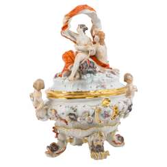 MEISSEN lid bowl with Galatea and Acis from the Swan service, 20. Century