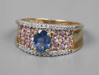 Ladies ring with sapphires and diamonds