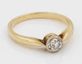 Diamond solitaire ring from the 20s