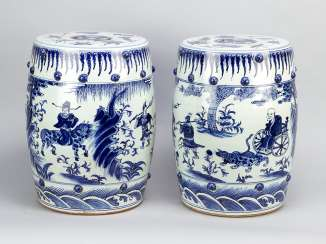 Chinese Porcelain garden seats, blue painted, a pair, Qing Dynasty