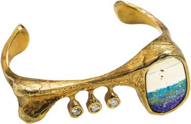Gold bangle with Opal and diamonds