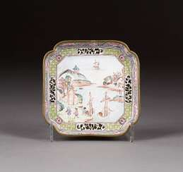 CLOISONNÉ BOWL WITH FIGURATIVE REPRESENTATION