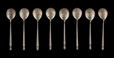 EIGHT VINTAGE SIAM STERLING SILVER SPOON