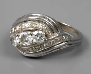 Ladies ring with brilliants of 0,8 ct