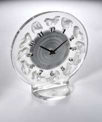 OMEGA AND LALIQUE, FROSTED GLASS AND CHROME 8-DAY ART DECO DESK TIMEPIECE, REF. 13.309