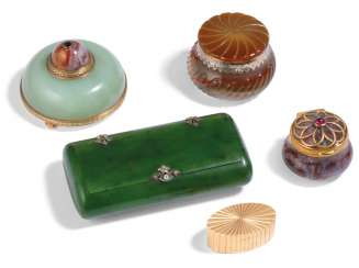 A GROUP OF GOLD AND HARDSTONE BOXES AND A BELL-PUSH