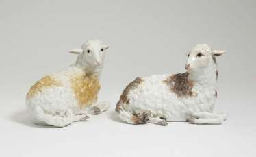 Two reclining sheep. Meissen, around 1760, model by J. J. Kändler and P. Reinicke