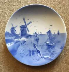 Decorative plate, Germany, St. Paul. XX
