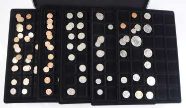 USA: Collection of small coins.