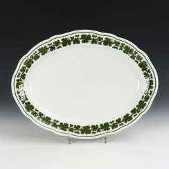 Plate with vine leaves decor
