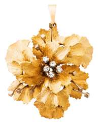 Bucherer flower pendant with diamonds