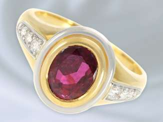 Ring: solid and decorative, vintage wrought gold with a ruby/diamond trimming, approx 1,95 ct, 18K Gold