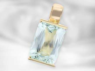 Pendant: very decorative handmade aquamarine pendant, 14K gold, goldsmith work