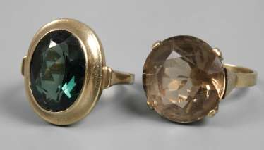 Two ladies rings with stones