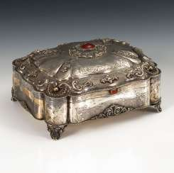 Rich silver box decorated with carnelian.