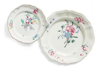 Large round plate and plate with contoured flowers