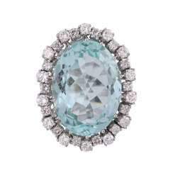 Ring with brilliant-cut diamonds and a large aquamarine