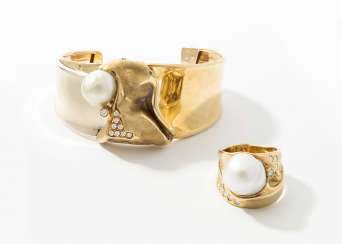 Misani South sea cultured pearl and diamond bangle and Ring