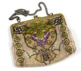 Art Nouveau style pearl bag around 1910