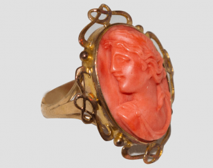 Ring - cameo with coral
