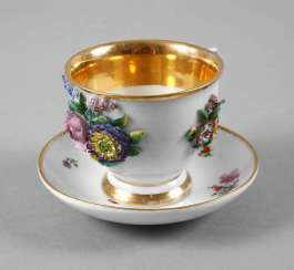 Meissen Cup with plastic flowers